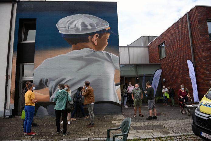 Officiële inhuldiging mega muurschildering OC Het Roerhuis in Leuven
