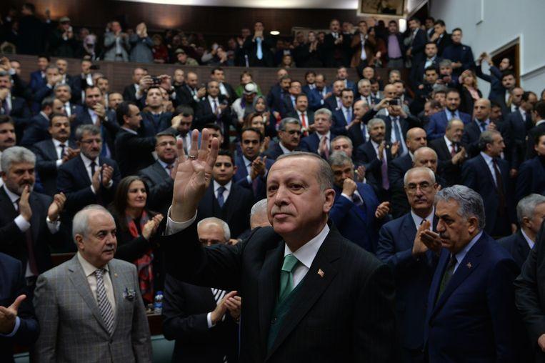 De Turkse president Erdogan zei deze week in Ankara dat de aanvallen op Syrisch grondgebied zullen worden uitgebreid van Afrin naar Manbij, dat (ook) onder Koerdische controle staat. Beeld