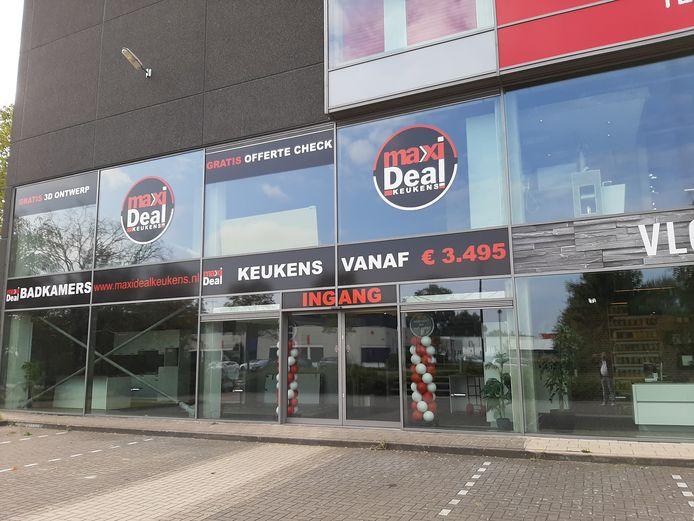 De failliete keukenzaak Maxi Deal Keukens aan de Wegtersweg in Hengelo.