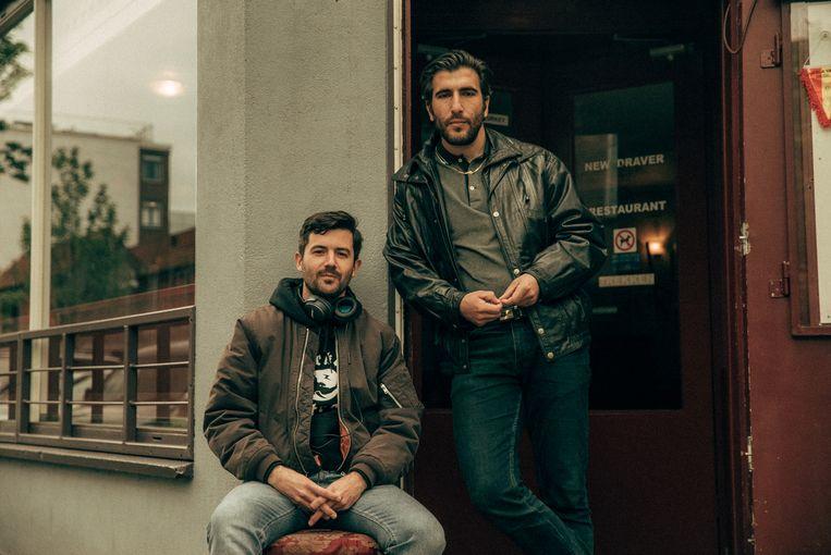 Regisseur Victor Ponten en mede-schrijver Mustafa Duygulu.  Beeld Milan van Dril