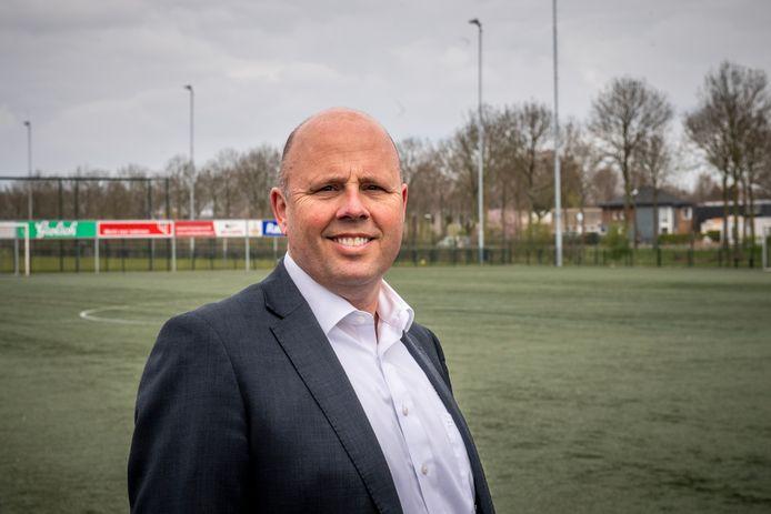 """Voorzitter Kees Broekman vindt het zelf ook jammer dat het 75-jarig bestaan van voetbalvereniging de Beuningse Boys dit jaar in september niet gevierd kan worden. ,,Dan maar een groter feest met ons 80-jarig jubileum."""""""