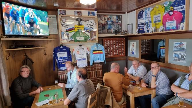 """In de Rustberg, supporterscafé van Remco Evenepoel, zijn ze trots op hun wielerheld. """"Eerst ons verdriet verdrinken en nadien een feestje bouwen"""""""