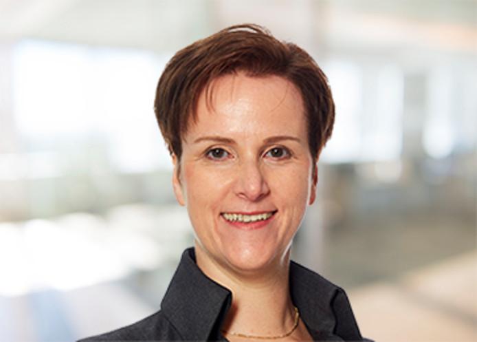 Sandra Konings werkte tussen 2008 en 2016 als chief security officer bij ASML. Ze heeft ruim twintig jaar ervaring in de cyberveiligheid