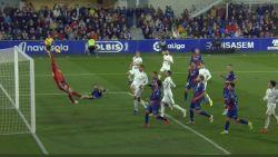 """""""'t Is dat Courtois in goal stond, of Real had helemaal niet gewonnen bij rode lantaarn"""": doelman scoort met nieuwe clean sheet weer punten"""
