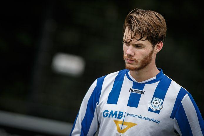 Jari Oosterwijk speelde dit seizoen met zijn vrienden in Lettele, maar zet nu toch een stap hogerop.