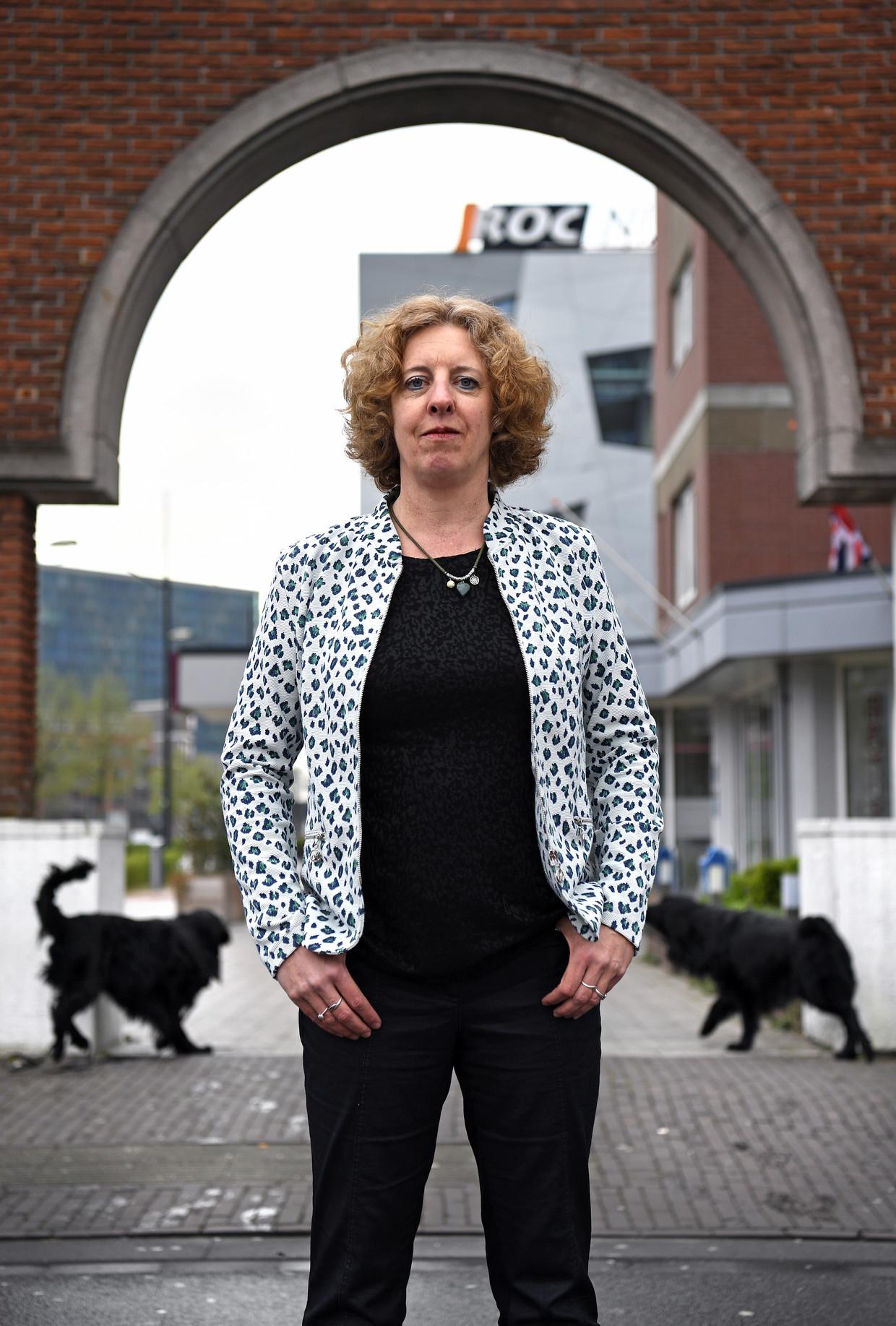 Paula van Manen bij het roc waar ze werd ontslagen: 'Laat bestuurders goed nadenken voor ze zoiets als gepersonaliseerd onderwijs invoeren. Bij ons gebeurde het te rigoureus' Beeld Marcel van den Bergh / de Volkskrant