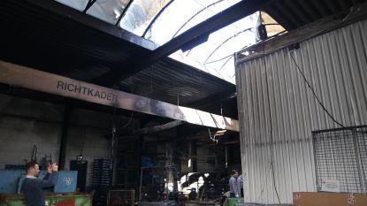 VIDEO - Brand in magazijn Mercedesgarage Jacobs: pas verkochte auto van 70.000 euro gaat in vlammen op