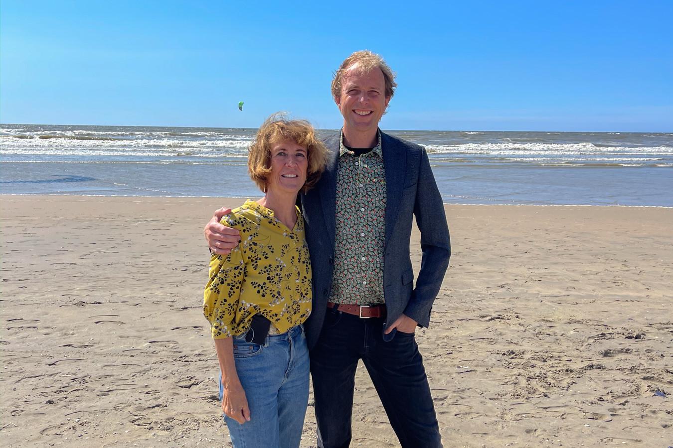 Jeroen en zijn moeder Ingrid vergelijken hun financiële keuzes graag met elkaar. 'Wij leren elkaar dingen over geld.'