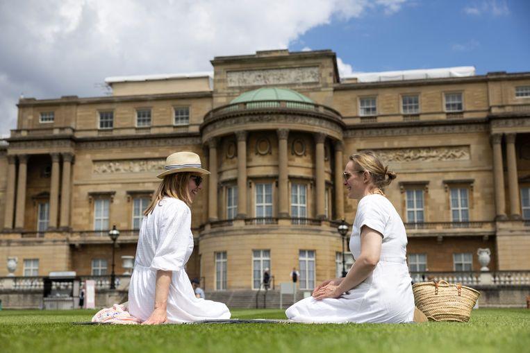 Vanaf vandaag zijn de tuinen van Buckingham Palace geopend voor publiek Beeld Getty Images
