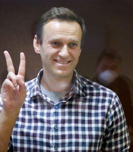 Depuis sa prison, l'opposant russe Alexeï Navalny reçoit le prix Sakharov par le Parlement européen