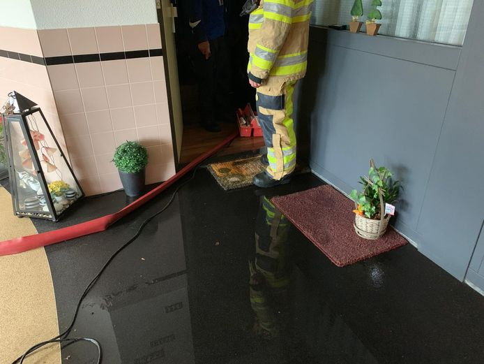 Wateroverlast in appartementencomplex Colmschate