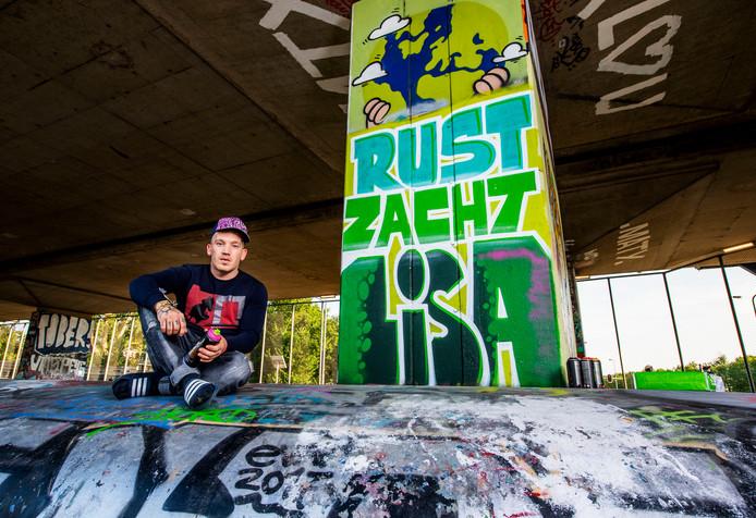 Dylan Ridenberg maakte een graffititekening voor de in Vlaardingen doodgestoken Lisa op een muur bij Skatepark Zaandam.