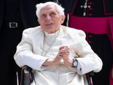 """L'ancien pape Benoît XVI est """"extrêmement fragile"""""""
