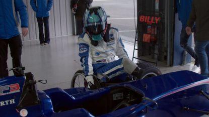 Racebelofte Billy verloor op 17-jarige leeftijd zijn twee benen in horrorcrash maar maakte straffe comeback
