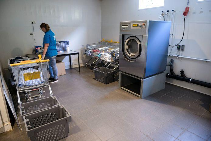 Was en Strijkservice WaST vervangt het wassen aan huis door thuiszorg, als bezuinigingsmaatregel. Een aantal WMO-cliënten heeft met succes bezwaar gemaakt hiertegen, anderen moeten zich neerleggen bij de beschikking.