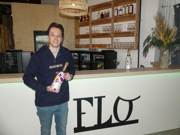 Florian Heyerick aan zijn Bar FLO.
