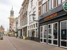 Explosie aan besmettingen na avondjes stappen in Kampen: 'Sneltest in een steeg was genoeg'