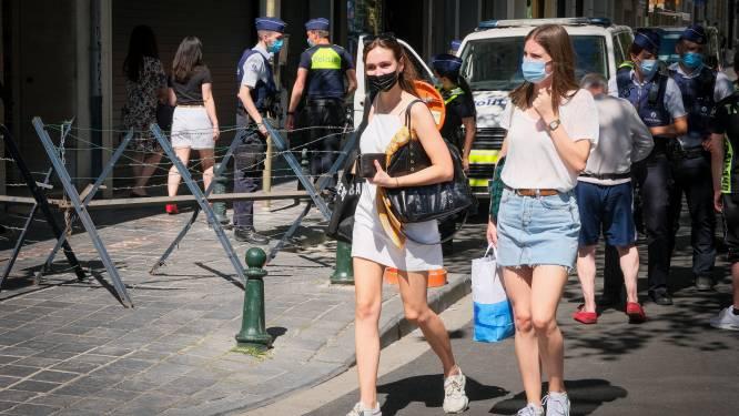 """""""Wat is er hier eigenlijk aan de hand?"""": strengbewaakte Waterloolaan houdt shoppers in het gareel door bezoek Biden"""