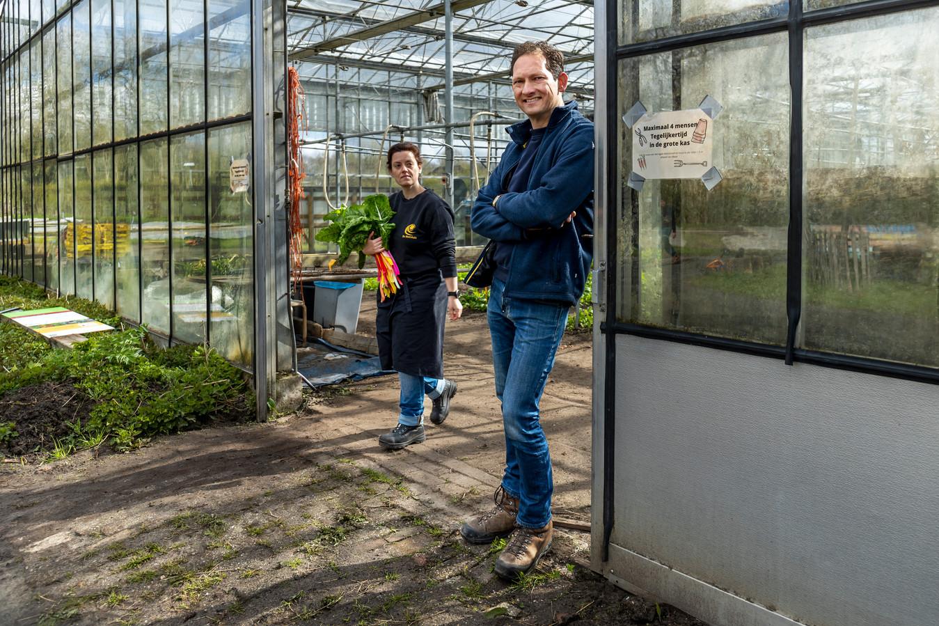 Directeur Pieter Jagtman van De Moestuin en medewerker Ariane van Oudheusden.
