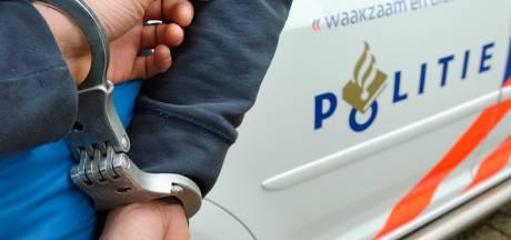 Tiener opgepakt voor gewelddadige overvallen in Rotterdam