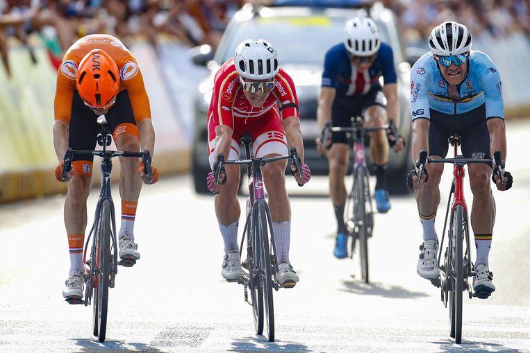 Jasper Stuyven moest in een sprint om de tweede plek Michael Valgren en Dylan van Baarle laten voorgaan. Beeld Photo News