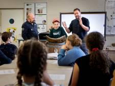 Tonpraters geven les op school in Cranendonck: 'Vertel het een beetje spannend'