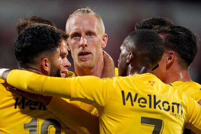 """Lex Immers: ,,Kampioen word je niet tegen Cambuur of De Graafschap, maar tegen de beloftenteams en clubs uit het rechterrijtje."""""""