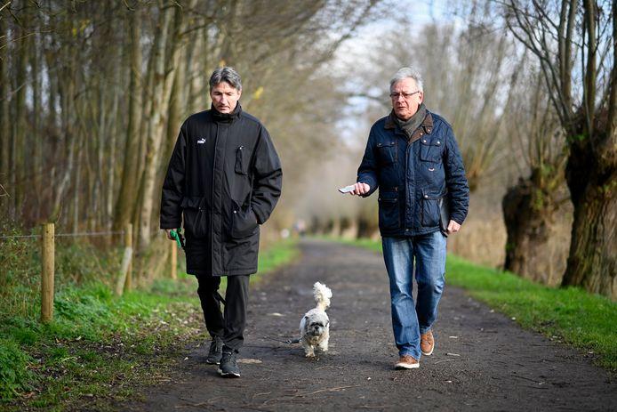 Onze journalist op wandel met Trond Sollied. Hond Zora mag mee.