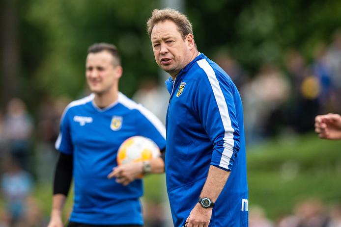 Trainer Leonid Sloetski krijgt een analyse van Racing FC Union Lëtzebuerg en FC Viitorul Constanța. Die twee clubs staan in de eerste voorronde van de Europa League tegenover elkaar in Luxemburg-stad.