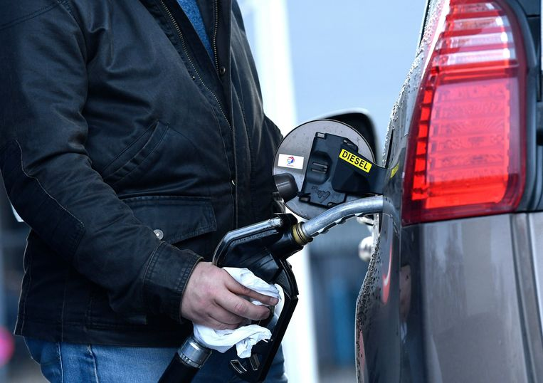 Diesel is volgens mobiliteitsvereniging VAB economisch gezien niet meer interessant voor de meeste particuliere automobilisten. Beeld Photo News