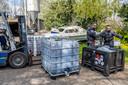 De politie is zaterdag bezig met het ontmantelen van het mdma-lab.