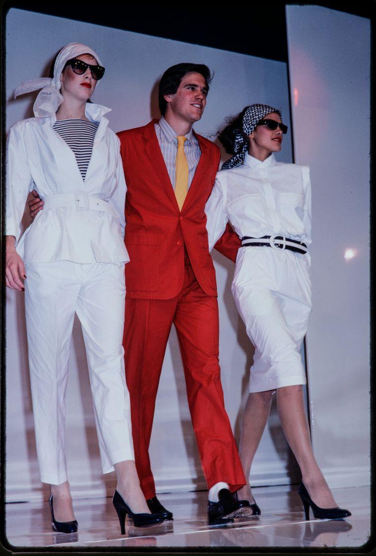 Rood pak op de catwalk van Georges Rech in het jaar kruik 1978. Beeld Hollandse Hoogte / Vintage Fashion