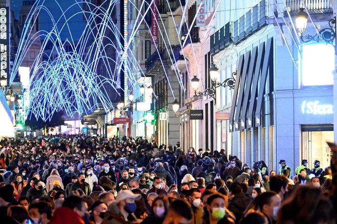 Shopping de Noël à Madrid, ce 29 novembre 2020...