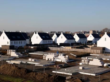 Ook bouw in Hulster wijk Witte Brug ligt stil door problemen bij bouwbedrijf Sprangers