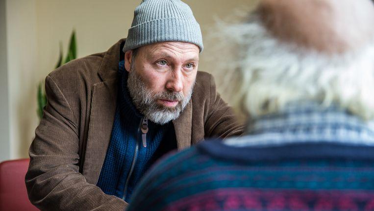 De altijd briljante Marc Van Eeghem zorgde in 'Amateurs' voor het dramamoment van het jaar Beeld © vtm