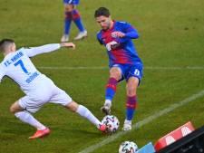 Voormalig PSV-talent zit 200 kilometer in de bus voor een thuiswedstrijd, chaos in Krefeld: 'En toch bevalt Duitsland wel'