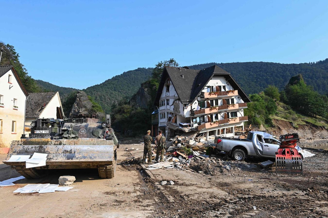 La région de Rhénanie-Palatinat, la plus touchée par les violentes intempéries qui ont dévasté plusieurs communes, comptabilise 132 morts et 766 blessés, selon la police de Coblence.