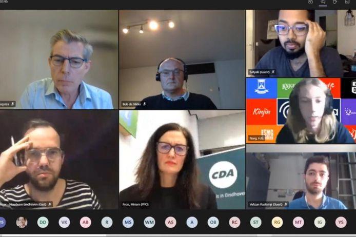 Een screenshot van de online bijeenkomst van huurders van gebouw Luna op de TU/e Campus in Eindhoven, met verhuurder Camelot. Op de foto onder anderen Bob de Vilder (midden boven, Camelot), Rick Blezer (linksonder, Huurteam Eindhoven) en organisator Miriam Frosi (middenonder, CDA Eindhoven).
