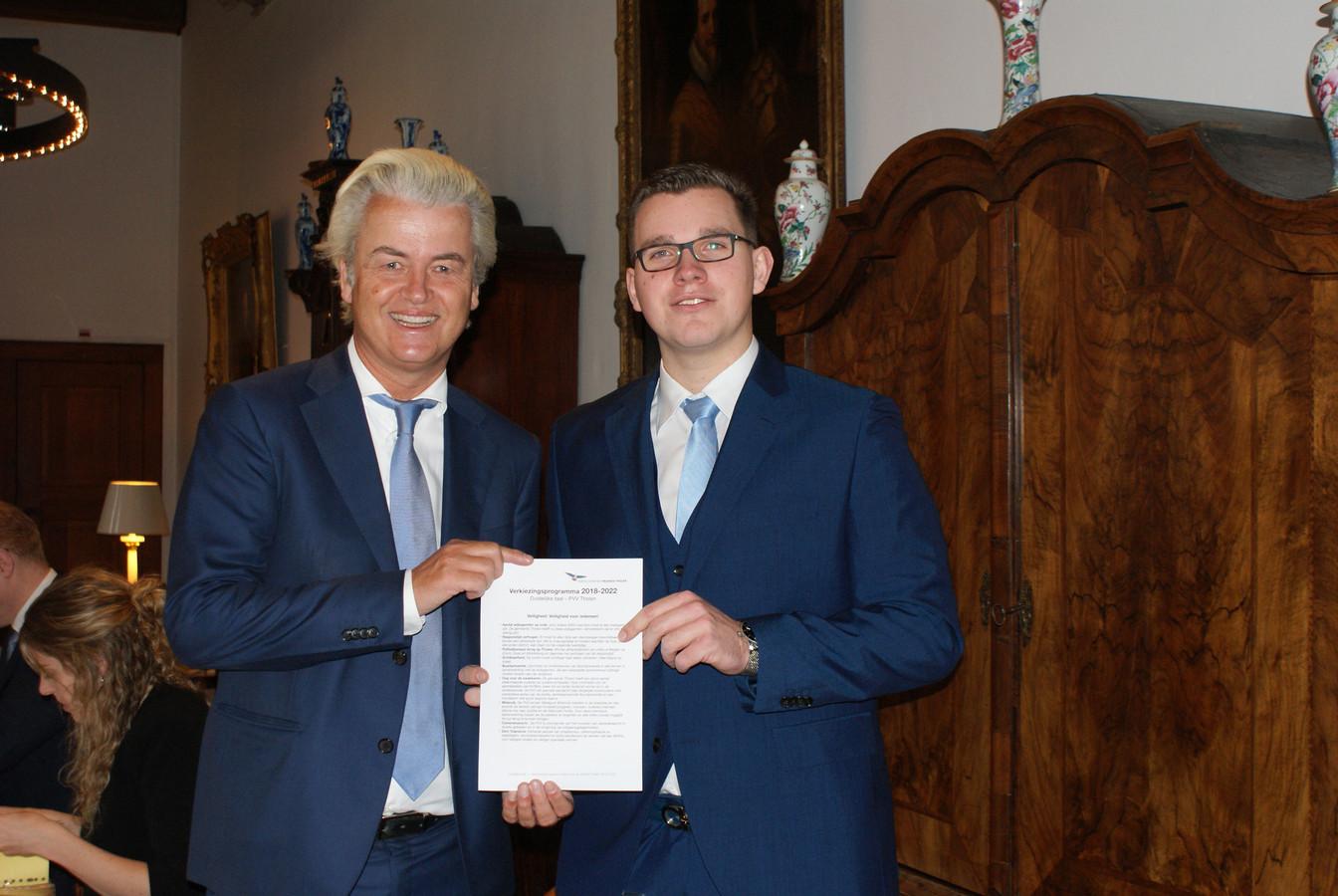 Geert Wilders en Vincent Bosch (rechts), drie jaar geleden bij de presentatie van het partijprogramma PVV Tholen.