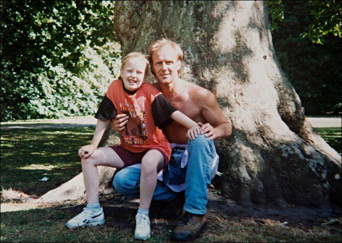 Adele op 11-jarige leeftijd en haar vader Mark Evans