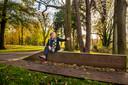 BREDA - Hans Thoolen poseert in het Valkenberg. Een grote renovatie van park Valkenberg betekende in de jaren negentig een ommekeer voor Breda.