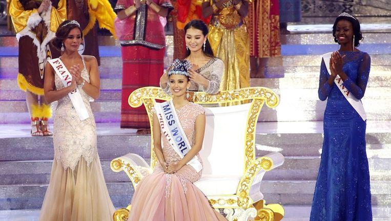 Miss World 2012, Yu Wenxia kroont haar opvolgster Megan Young Beeld epa
