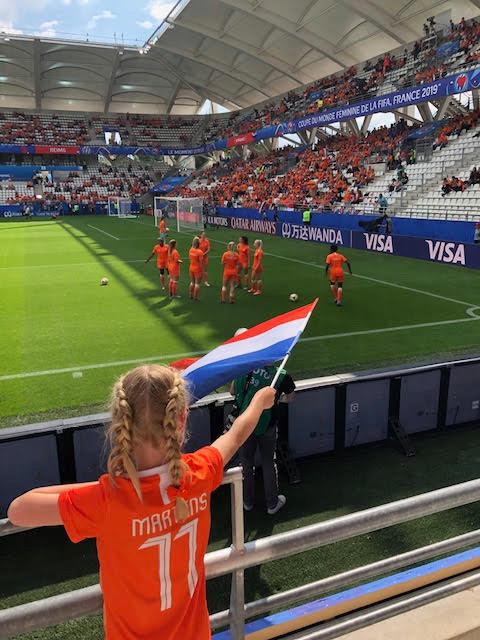 Floortje bezocht de wedstrijd tegen Canada in Reims.