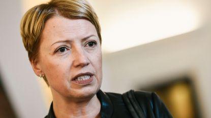 """CdH: """"Premier moet kiezen of hij nog van op afstand gestuurd wordt door de N-VA"""""""