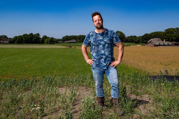 Geertjan Kloosterboer uit Oxe bij Deventer luidt de noodklok: ,,,Dan zijn er nog de ambities voor meer biodiversiteit, natuur en bomen. Ook dat gaat allemaal ten koste van landbouwgrond. Hoe gaan we dat doen? Er is maar één buitengebied.''