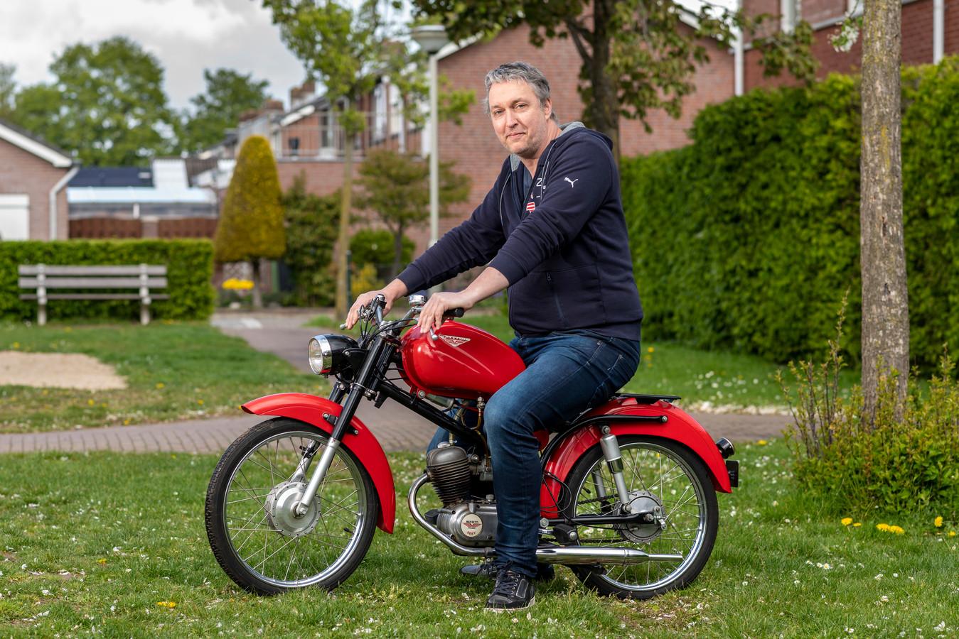 Arnhem, 5 mei 2021. Rick Heideveld heeft als hobby het opknappen van oude Italiaanse Nassetti bromfietsen. dgfoto . Foto: Gerard Burgers