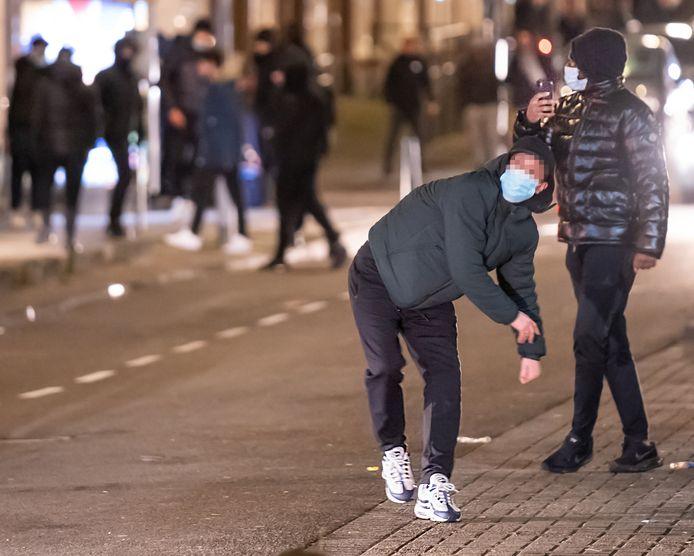 Het Openbaar Ministerie wil volgens burgemeester een zware straf voor de daders van de avondklokrellen op de Beijerlandselaan.