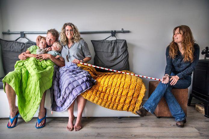 De zware dekens van Deborah Wolters.
