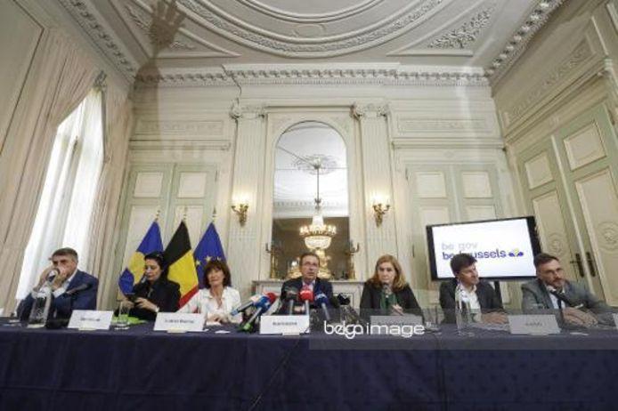 De nieuwe Brusselse regering stelt haar bestuursakkoord voor