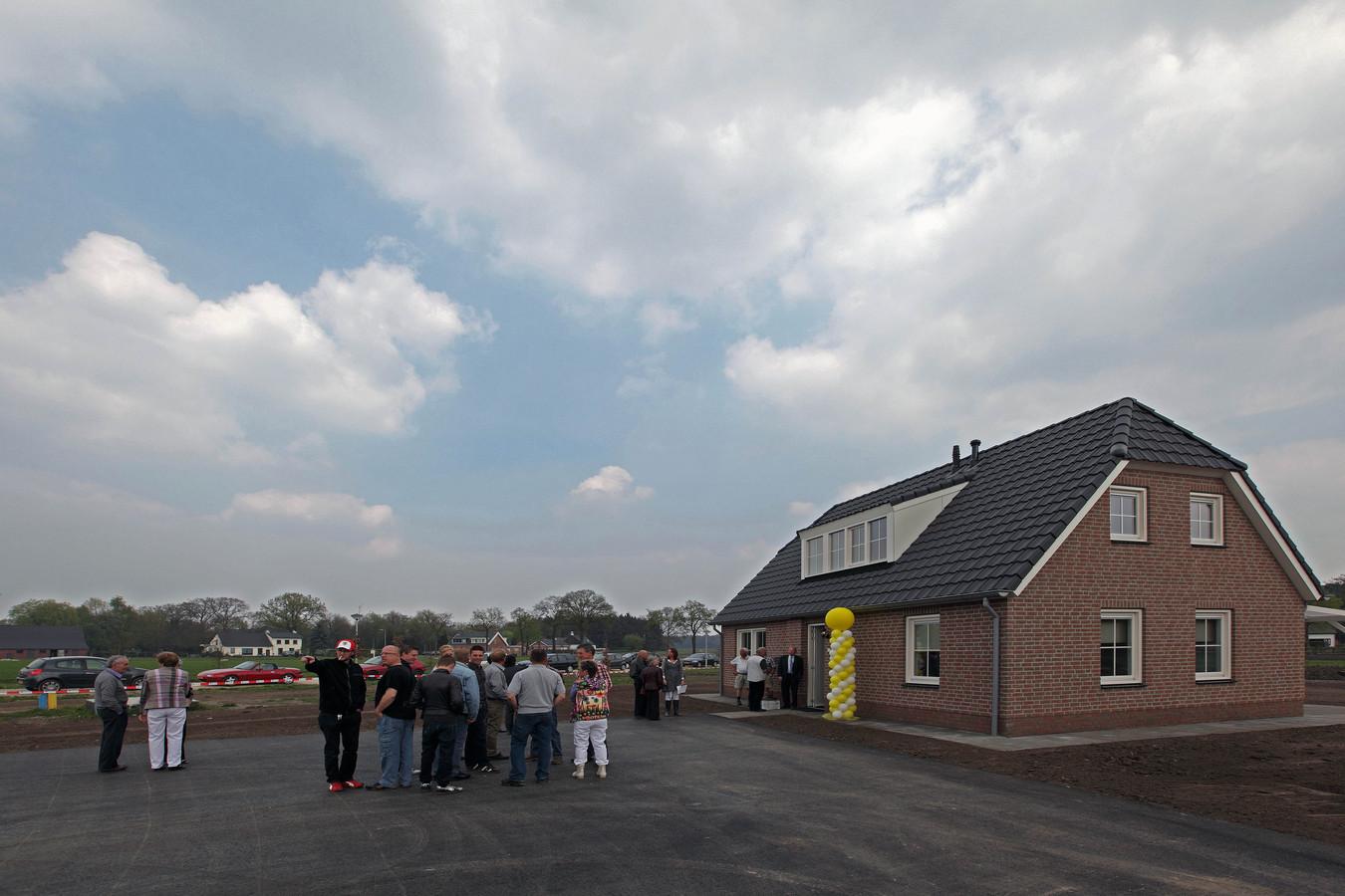 In april 2011 werden op landgoed Emmahoeve bij tien recreatiewoningen officieel geopend. Voor grote kavels, te bebouwen met kapitale herenhuizen blijkt tien jaar later nog altijd geen interesse.